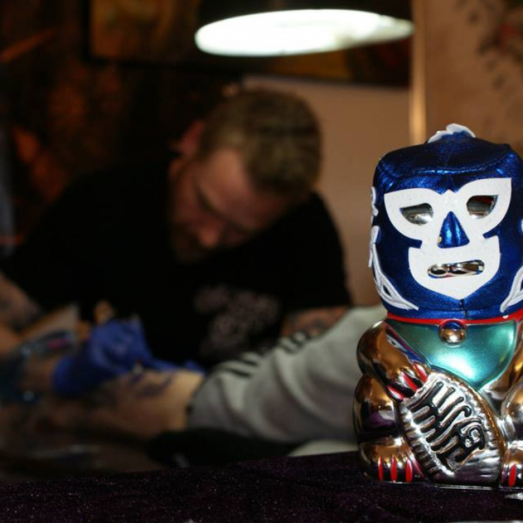 Hankey @ work at the tattoo ink explosion, Monchen-Gladbach, Germany